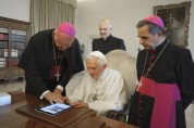 Pope-tweet Pope Benedict XVI sends his first tweet. It read: 'Dear friends, I am pleased to get in touch with you through Twitter. Thank you for your generous response. I bless all of you from my heart.' Photograph Vincenzo Pinto : AFP/Getty Images